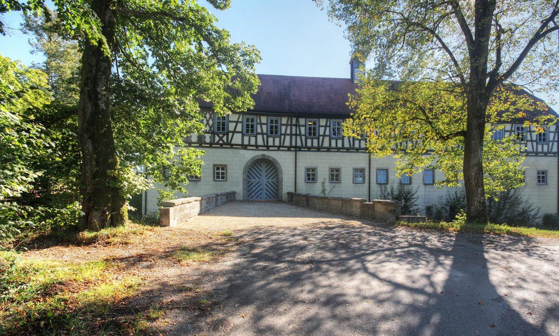 Wasserschloss_Erkenbrechsthausen_gegenart_04