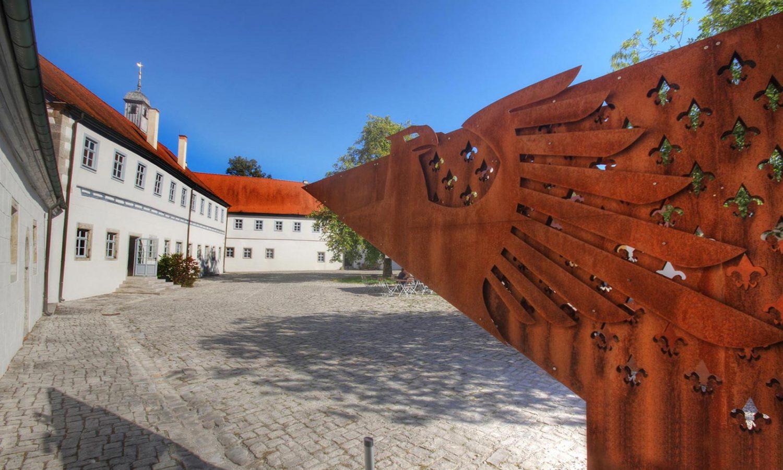 Wasserschloss_Erkenbrechsthausen_gegenart_01