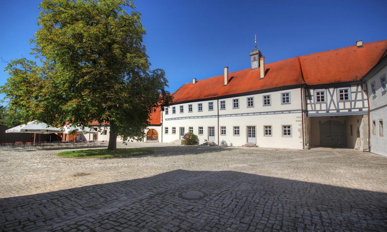 Wasserschloss_Erkenbrechsthausen_gegenart_03